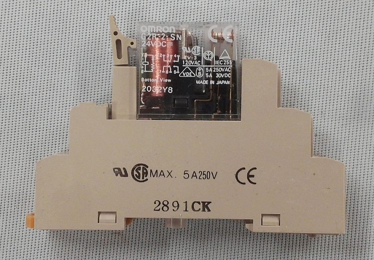 Omron Relay Model G2r 2 Sn 24vdc Coil W Din Rail Socket
