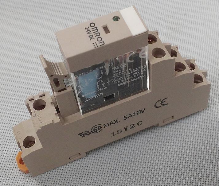 OMRON G2R-2-SND 24 VDC W// BASE