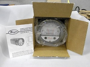 Dwyer Photohelic Pressure Switch/Gage A3000-0-TP-24V
